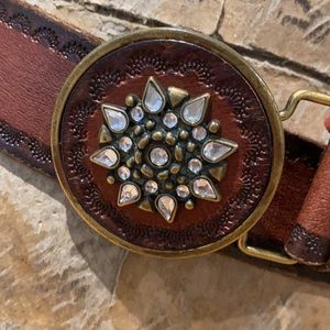 Embossed brown leather belt round buckle 2XL